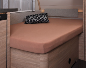 Fixleintuch 137 x 195 (110 / 90) cm für französisches Bett im Wohnwagen Hellbraun